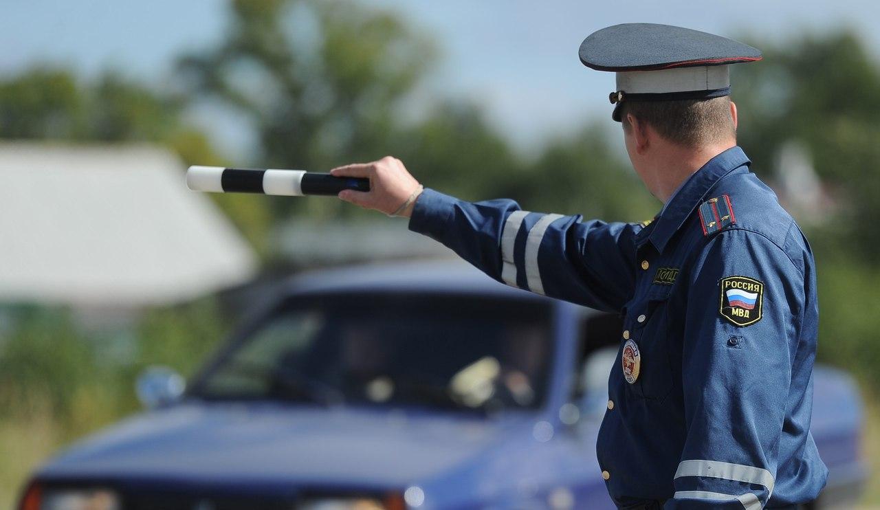 Не курить и не грубить! Инспекторы будут общаться с водителями по новому регламенту