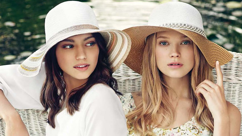 Головные уборы: модные шапки, шляпы, платки