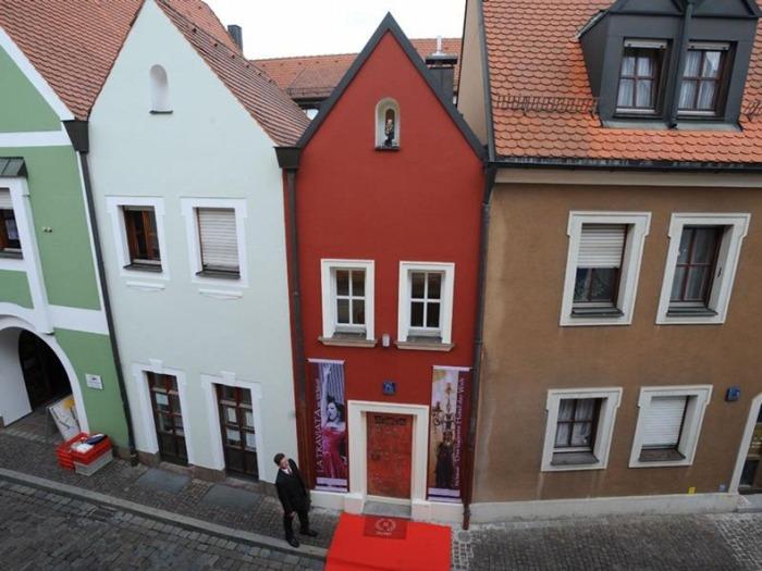 Eh'haeusl - самый маленький отель в мире (Германия)