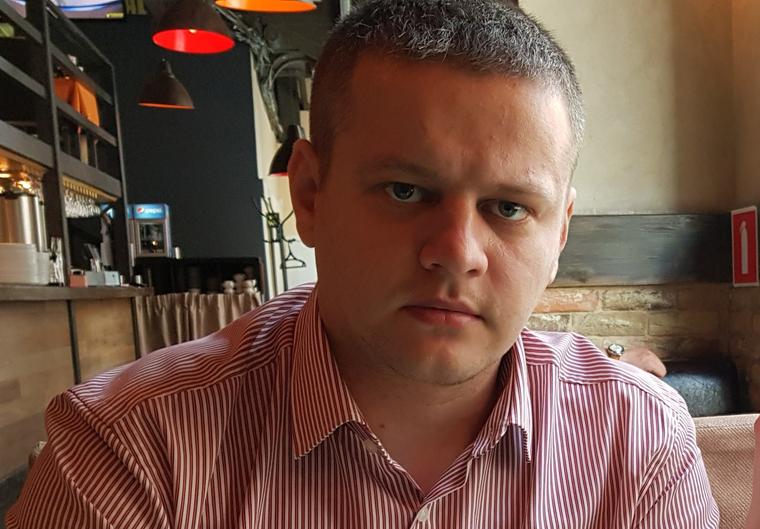 Востриков, потерявший всю семью на пожаре в Кемерово, пошел в депутаты