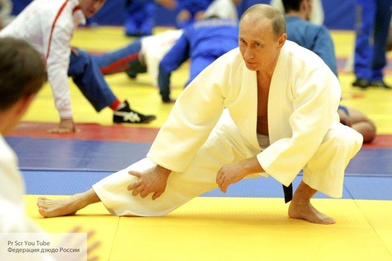 «Мы в вас верим!»: Путин отм…