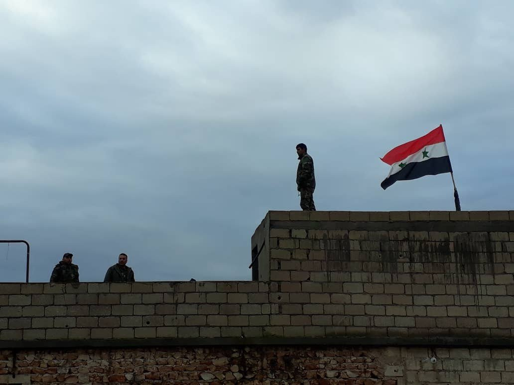 Курды не знают, к кому примкнуть: ситуация в сирийском Манбидже остается напряженной