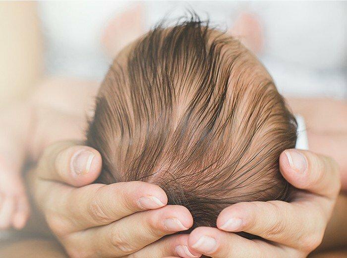 Когда заживает родничок у новорождённого?
