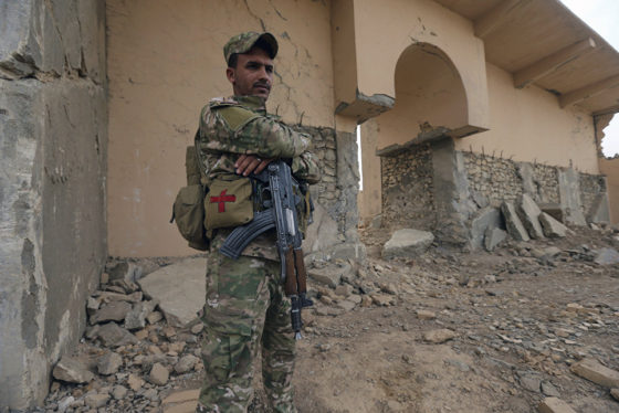 Около ста боевиков ИГИЛ* уничтожили ВВС Ирака на границе с Сирией