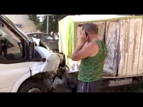 Эксперты дали советы водителям, которые вынуждены сидеть за рулём в жару