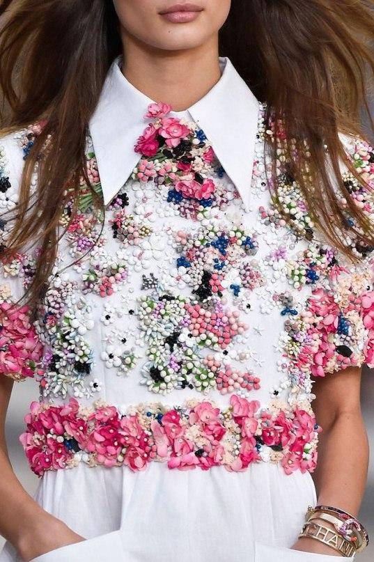 Модные блузки 2018-2019 - трендовые модели и красивые образы