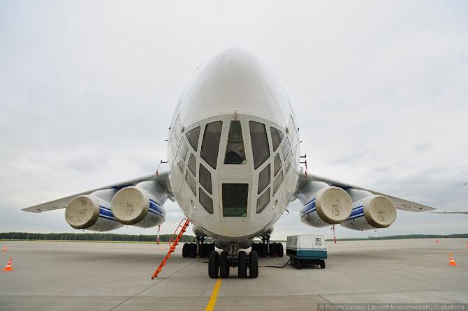 Грузовой самолет ИЛ-76ТД-90ВД