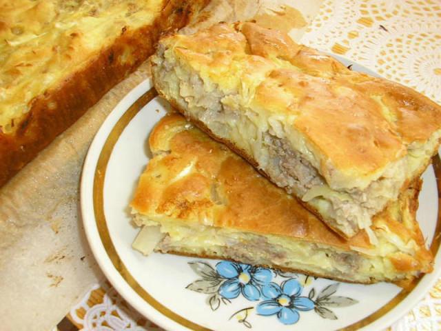Нежный пирог с картофельным пюре и курицей