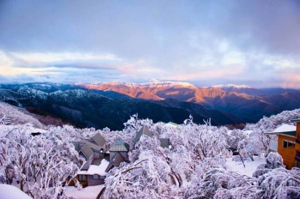 wintertowns02-650x432_601x399