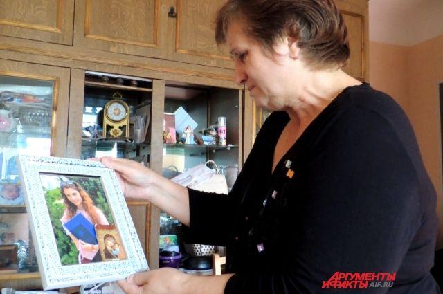 Горе Вики. В Волгограде бабушка бьётся за право опеки над внучкой
