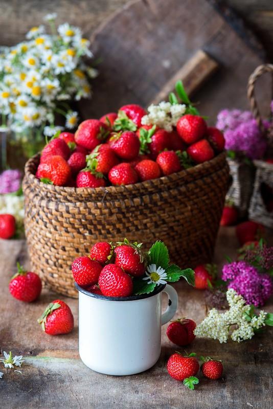 Strawberriesblog.jpg