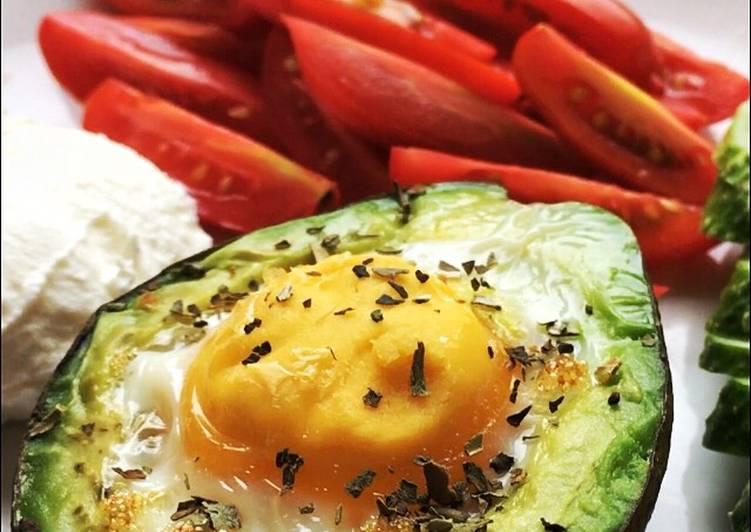 Яйцо в авокадо #пп
