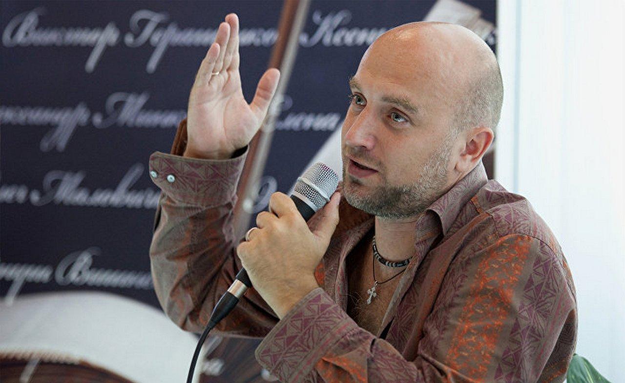 Захар Прилепин: Русских вынуждают стыдиться самого факта их существования