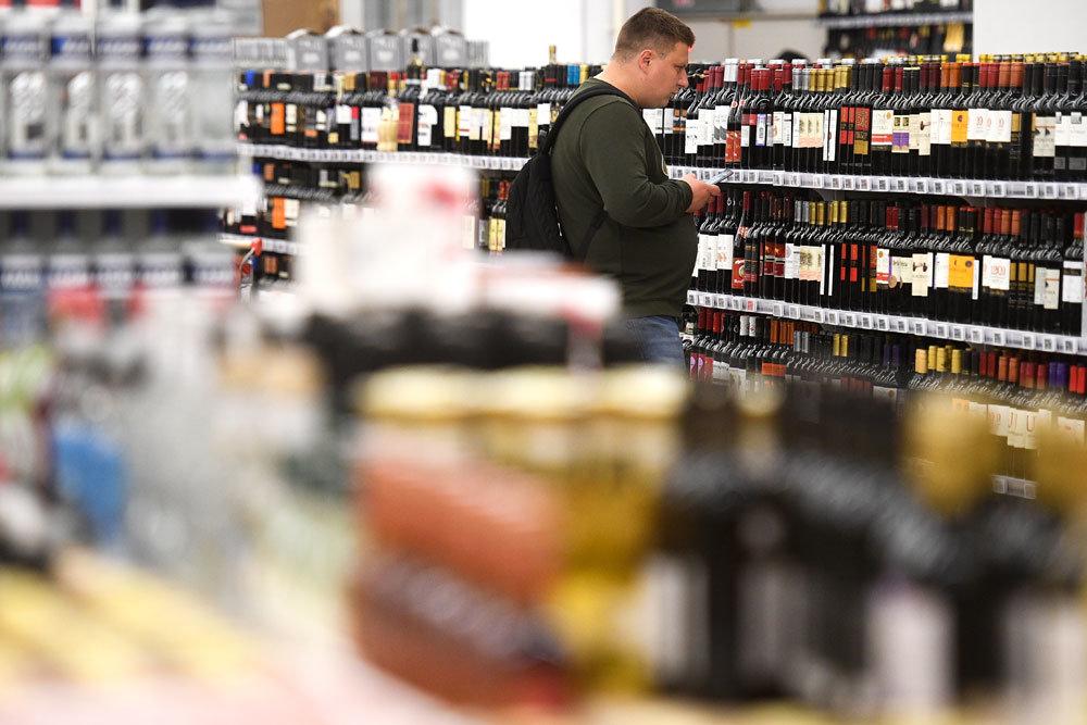 В России предложили сократить число магазинов с алкоголем и табаком