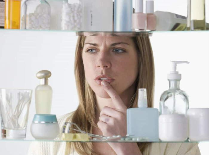 8 средств и способов ухода за собой, которые никогда не используют дерматологи