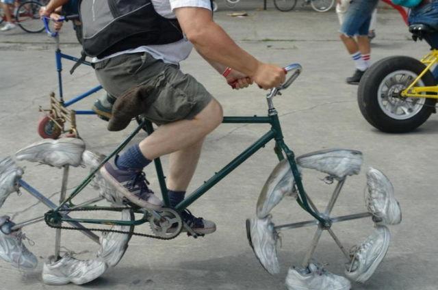 imaginative and inventive bicycle modifications 640 04 Черт побери, зачем они это сделали? (39 фото)