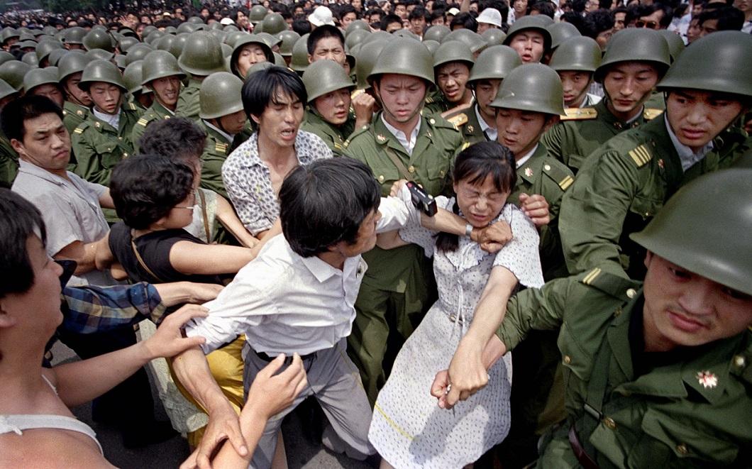 Tiananmen Square 17 Расстрел демонстрантов на площади Тяньаньмэнь 25 лет назад