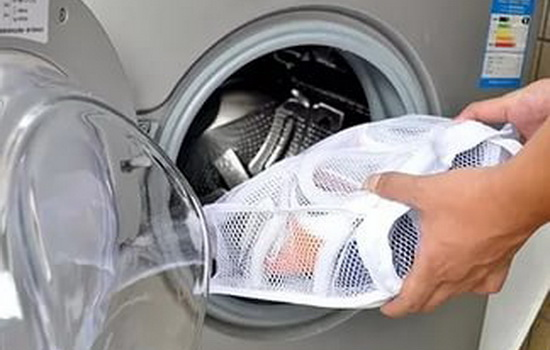 Как правильно стирать обувь …