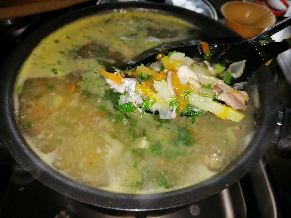 Простой, быстрый и дешевый суп, который накормит всю семью. Цена вопроса 50 рублей и 10 минут времени