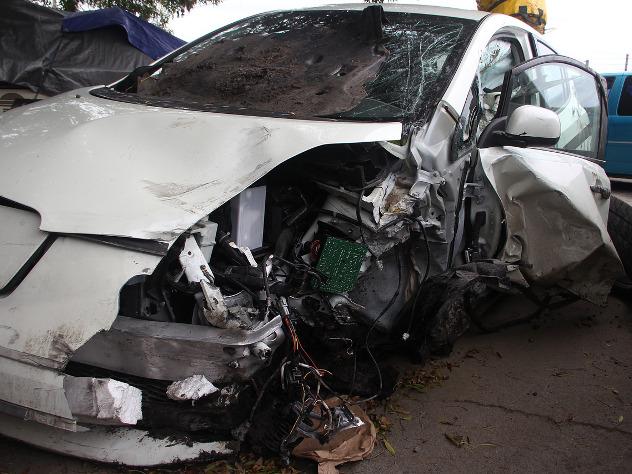 Шесть человек погибли после наезда на толпу в Харькове