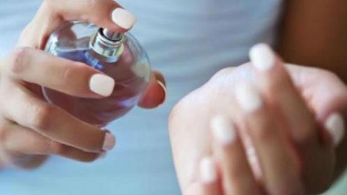 Как закрепить аромат духов н…