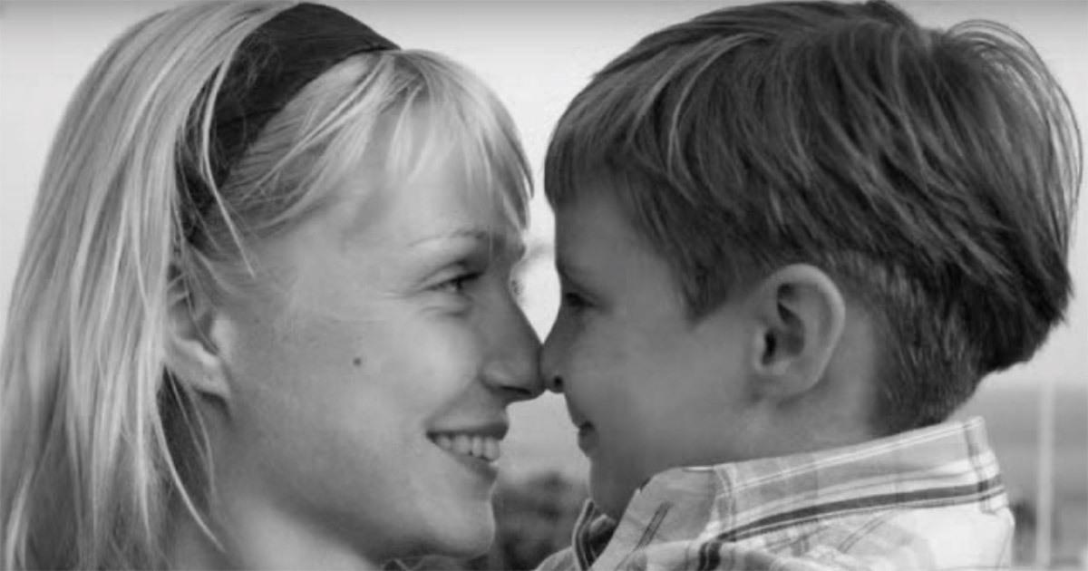 Это обращение матери к сыну растрогает любое сердце!