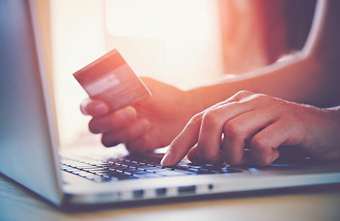 Новые поправки: платеж с покупок в зарубежных интернет-магазинах