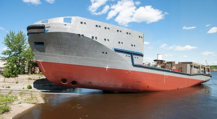 На Ярославском судостроительном заводе спущен на воду второй буксир проекта 23470 «Андрей Степанов»