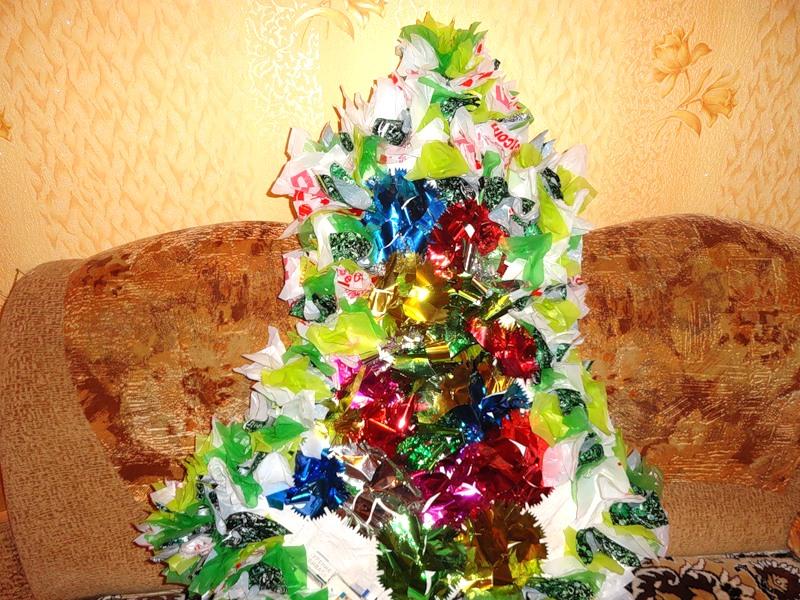 Новогодняя ёлка для украшения подъезда. Morskay10