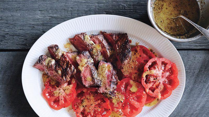 Изображение рецепта Стейк с помидорами и соусом винегрет
