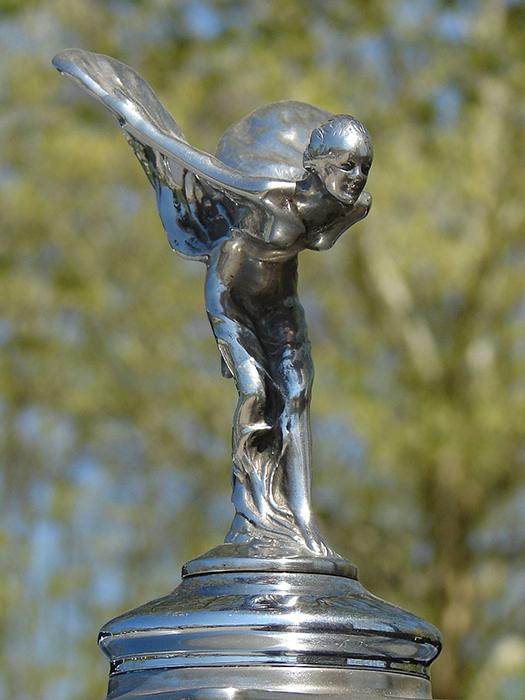 Первая статуэтка была изготовлена по заказу барона де Монтегю.