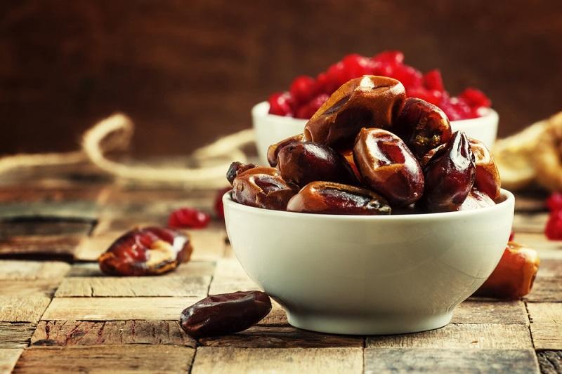 7 фруктов, которые восполнят недостаток железа не хуже мяса