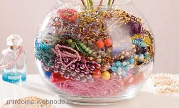 Оригинальные аксессуары из стеклянной вазы