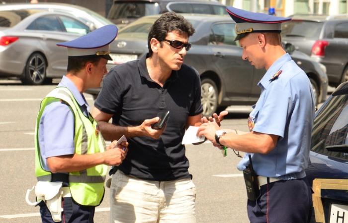 5 ошибок, которые совершает большинство водителей при общении с инспектором ДПС