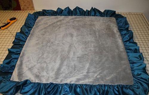 Одеяло сшитое из лоскутков