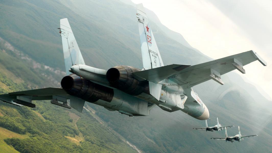 Российские многоцелевые истребители Су-27