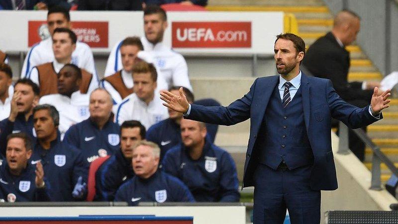 Тренер сборной Англии получил травму во время пробежки