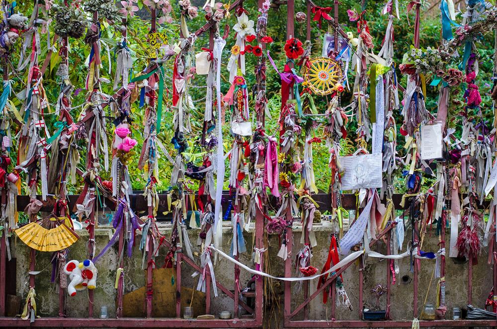Кладбище Кросс Бонс, Англия
