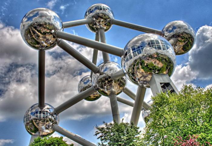 «Атомиум»: самый посещаемый памятник Брюсселя