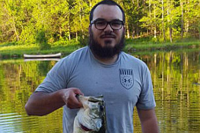Пугающая находка: рыбак вздрогнул, вскрыв пойманного окуня