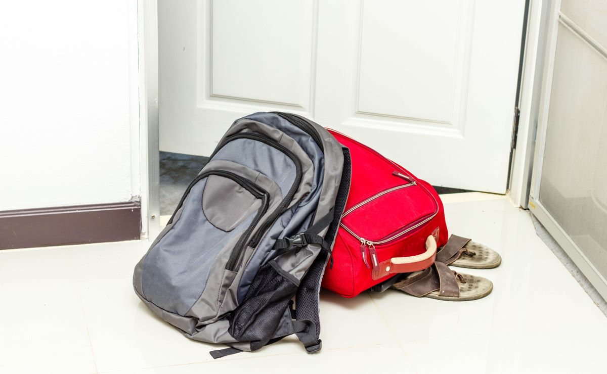 Как выписать из квартиры человека, если другого жилья у него нет?