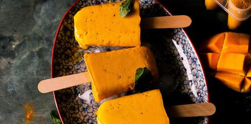 Замороженный смузи «Манго и куркума»: десерт, который не навредит фигуре!