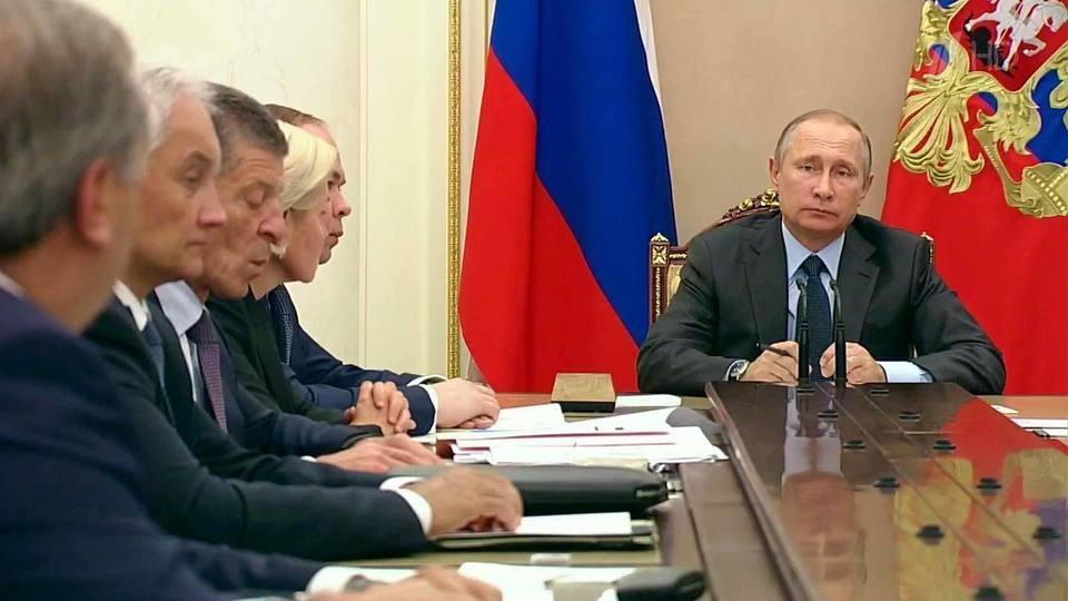 Борис Григорьев. Бизнес желает драть с народа не две, а три шкуры. Путин: помилосердствуйте!