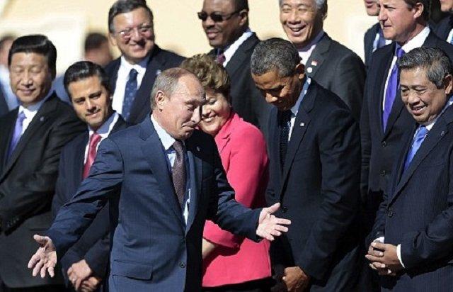 Изолированный изгой Путин