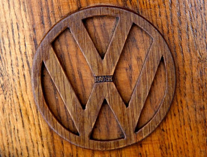 Volkswagen жук 1972 года из дерева (9)