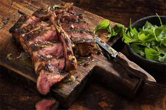 Кухонный инвентарь, который незаменим для приготовления мяса