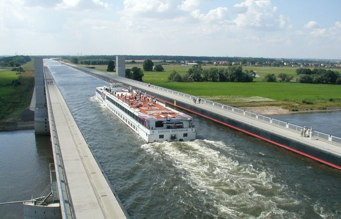 Пятерка мостов, по которым ходят корабли