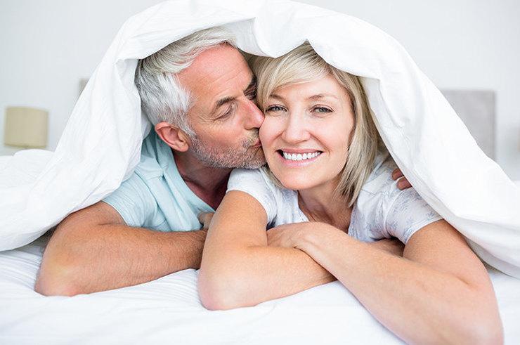 Секс с женщинами постарше видео разделяю