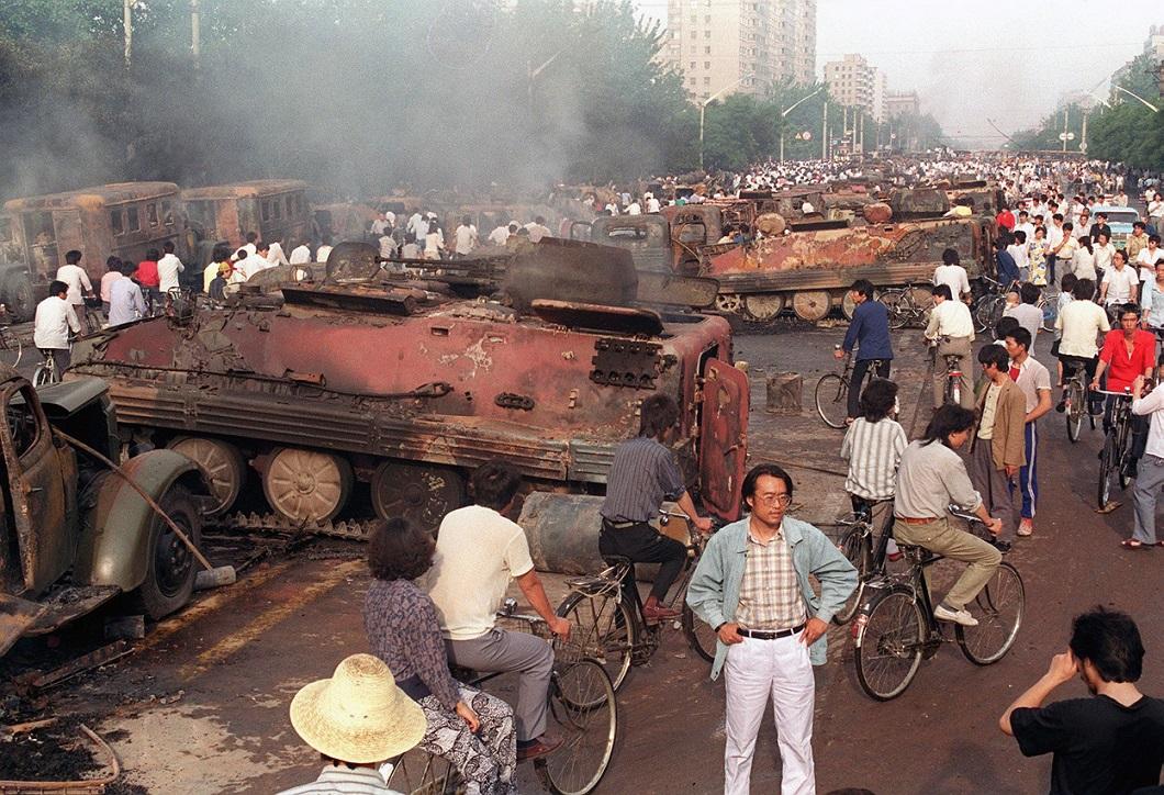 Tiananmen Square 30 Расстрел демонстрантов на площади Тяньаньмэнь 25 лет назад