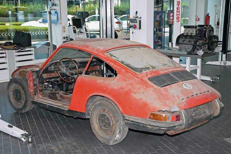 После трех лет реставрации Porsche покажет старейший из 911-х